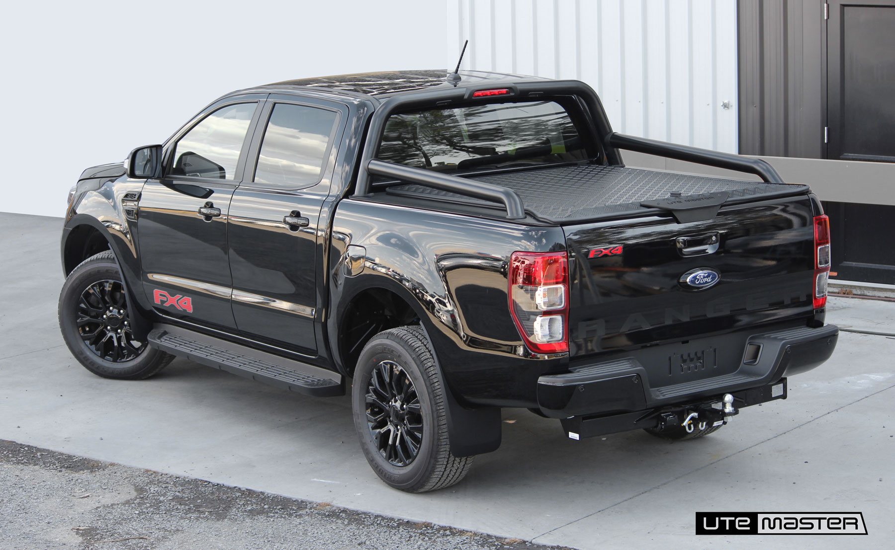 Hard Lid to suit 2020 Ford Ranger FX4 Sports Bars | Load-Lid by Utemaster