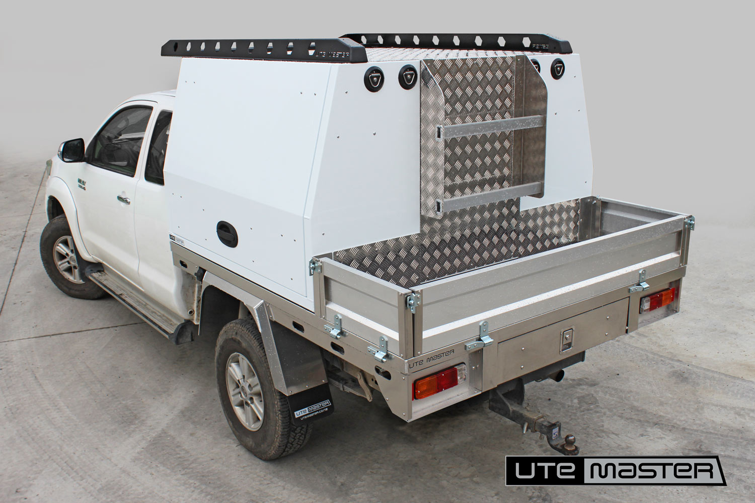 Utemaster Deck and Service Body toolbox service equipment water hydro storage Commercial Ute Mechanic Fitout
